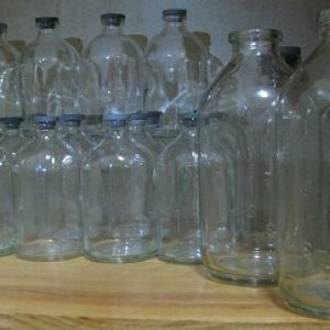 chai nước biển nắp cao su